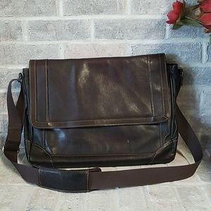 ⭐NEW LISTING 🔥Wilson Leather laptop/messenger bag